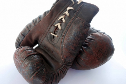 Who invented boxing gloves?